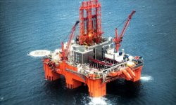 The semisubmersible rig West Phonix drills the northern Barents Sea.